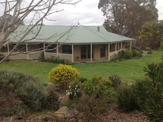 Beautiful Bendigo Farmhouse Barn rental with Internet Access - Bendigo vacation rentals
