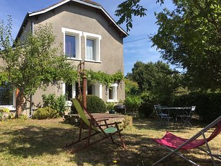 Nice 2 bedroom House in Monthodon - Monthodon vacation rentals