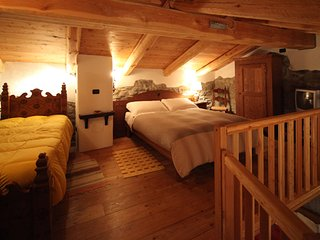 Romantic 1 bedroom Ski chalet in Canosio - Canosio vacation rentals