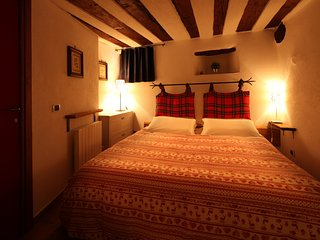 Cozy 2 bedroom Canosio Ski chalet with Satellite Or Cable TV - Canosio vacation rentals