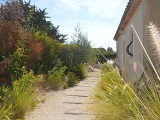 FREJUS - Beau 2 pièces 45 m2 - plein sud climatise - Saint Raphaël vacation rentals