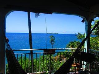 haut de villa avec vue sur la reserve cousteau - Bouillante vacation rentals