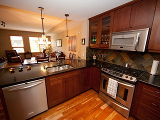 Rundle Cliffs Lodge Canmore - Spring Creek Luxurious 2BR 2BA second flr condo - Canmore vacation rentals
