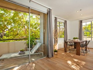 2 BEDROOM 2 BATH MODERN PRIME LOCATION - Beverly Hills vacation rentals