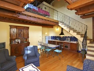 Lovely House with Shared Outdoor Pool and Balcony - Perugia vacation rentals