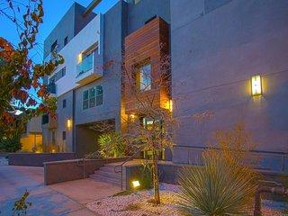 2 BEDROOM 2 BATH - Los Angeles vacation rentals