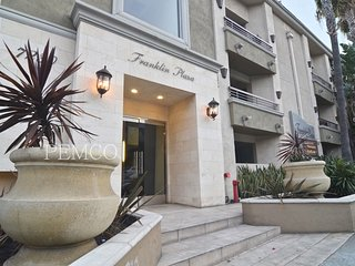 1 bedroom plus den PRIME LOCATION - West Hollywood vacation rentals