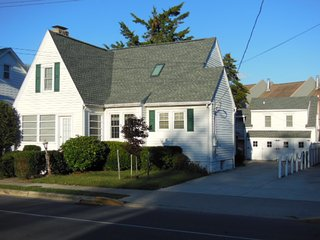 Downtown Rehoboth Beach, Delaware - Sleeps 16 - Rehoboth Beach vacation rentals