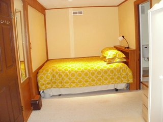 Comfortable Studio with Internet Access and Satellite Or Cable TV - San Francisco vacation rentals