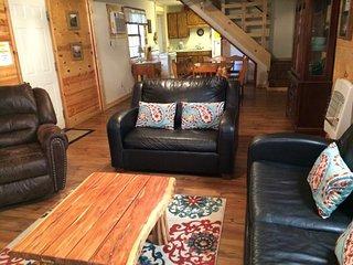 Winding Oaks Cabin/Near Broken Bow Lake - Hochatown vacation rentals