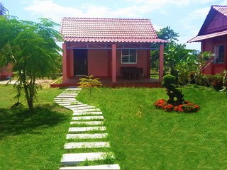Bright Kampot Bungalow rental with Housekeeping Included - Kampot vacation rentals