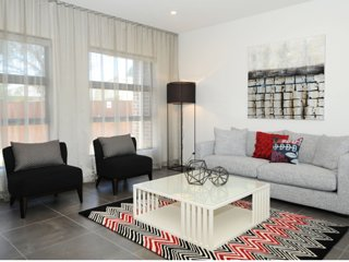 Kirsten Serviced Accommodation HUNTAR HOUSE - Mudgee vacation rentals