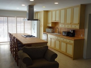 Furnished 2-Bedroom Duplex at Pier Ave & Cypress Ave Hermosa Beach - Hermosa Beach vacation rentals