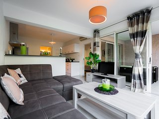 Nice Condo with Washing Machine and Television - Saint-Gilles-Les-Bains vacation rentals