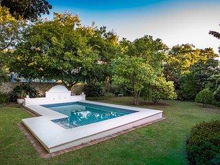 Le Villa Du Soleil - a luxury villa on main road - Franschhoek vacation rentals