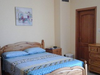 Spacious bedroom with A/C & Ensuite - FREE WIFI - Haz-Zebbug vacation rentals