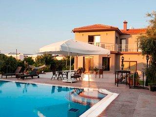 Kyrenia Gardens Luxurious Villa - Kyrenia vacation rentals
