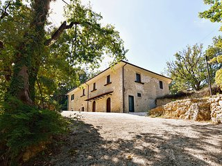 Nice Chalet with Television and Mountain Views - Arpino vacation rentals