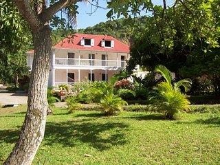 Habitation l'Oiseau. Location de charme - Vieux-Habitants vacation rentals