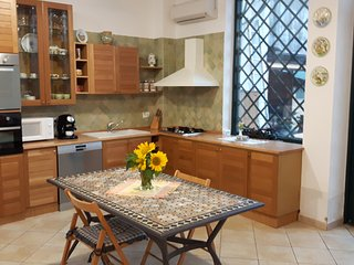 Bright 2 bedroom Aci Sant'Antonio Apartment with Deck - Aci Sant'Antonio vacation rentals