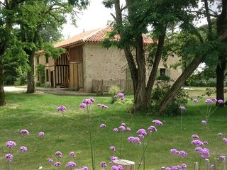 Romantic 1 bedroom Gite in Losse with Hot Tub - Losse vacation rentals