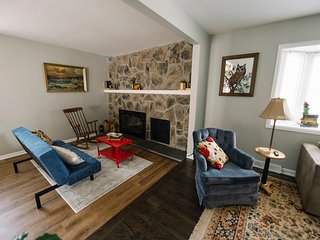 Cozy House Great Rates to Sleep 10+! - Aurora vacation rentals