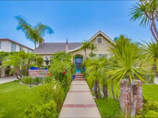 BEAUTIFUL CALIFORNIA CRAFTSMAN GREAT CENTRAL LOC - Pacific Beach vacation rentals