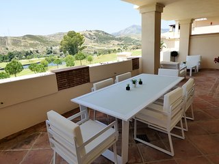 Capanes del Golf - 2 Bed Contemporary Apartment - Benahavis vacation rentals