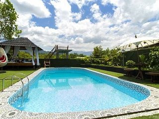 Nice Villa with Internet Access and Children's Pool - Padang vacation rentals
