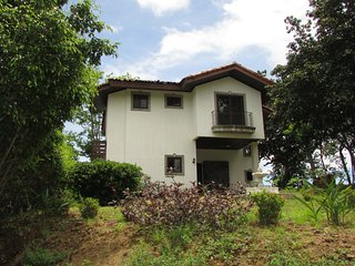 Nice Villa with Internet Access and A/C - Ostional vacation rentals