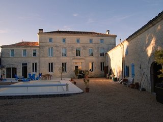 5 bedroom House with Internet Access in Aumagne - Aumagne vacation rentals