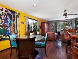 BEAUTIFUL TRANQUIL TREETOP FLAT/CENTRALLY LOCATED - Pacific Beach vacation rentals