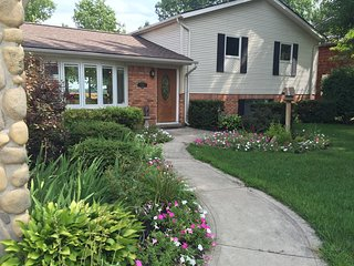 Wonderful 4 bedroom House in Ypsilanti with A/C - Ypsilanti vacation rentals
