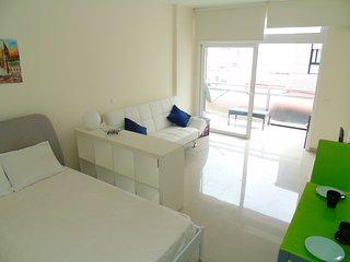 Quiet sunny place with balcony close to the beach - Las Palmas de Gran Canaria vacation rentals