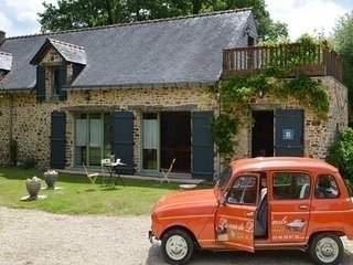 Lovely House with Internet Access and Television - Lusanger vacation rentals