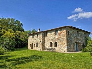 Villa Cerchiaia with private swimming pool - Cetona vacation rentals