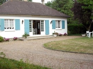 Nice House with Internet Access and Television - Marcon vacation rentals