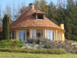 COURGENARD - 6 pers, 120 m2, 4 - Cherre vacation rentals