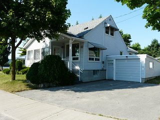 Nice House with A/C and Housekeeping Included - Peterborough vacation rentals