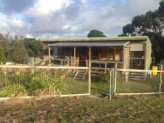 Dacha Kincora, Venus Bay house with inlet views - Venus Bay vacation rentals