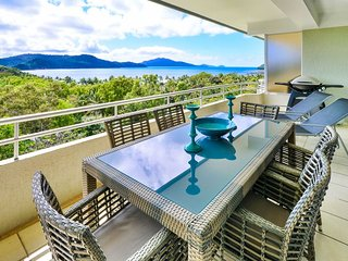 Nice 2 bedroom Hamilton Island Condo with A/C - Hamilton Island vacation rentals