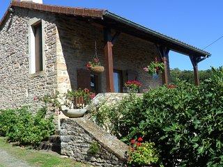 """Gîte """"Les Hirondelles"""" Au Drôt 71250 CHATEAU - Cluny vacation rentals"""