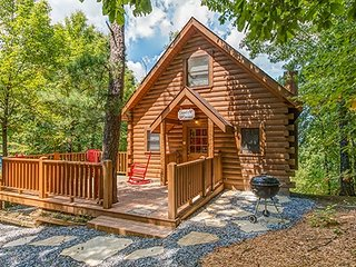 CUPIDS CROSSING - Pigeon Forge vacation rentals