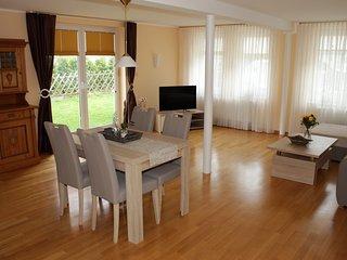 Stilvolles Ferienhaus in schöner Lage - Lugde vacation rentals
