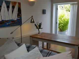 Marne House is close Whitstable Harbour. - Whitstable vacation rentals