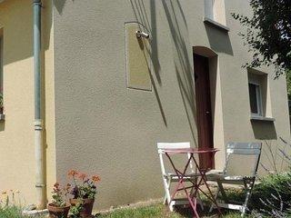 Comfortable 2 bedroom La Flèche House with Internet Access - La Flèche vacation rentals