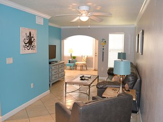 Barefoot Beach 1 Bedroom w/ Private Outdoor Patio - Indian Shores vacation rentals