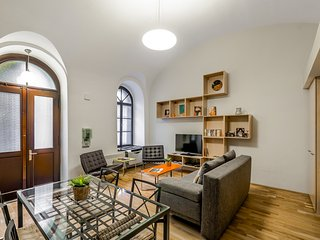 Amazing, Modern, Air Con, Opera, Contemporary Home - Paty's Place - Budapest vacation rentals