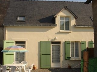 Nice House with Television and Central Heating - Saint-Molf vacation rentals
