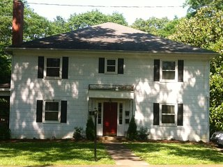 1 bed/1ba. APARTMENT  on Tree-lined Street. - Spartanburg vacation rentals